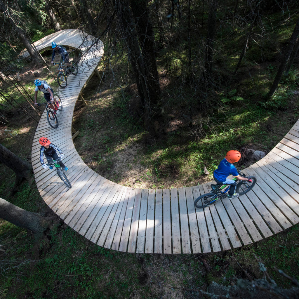 Flere sykler i Gullia sykkelpark i Trysil