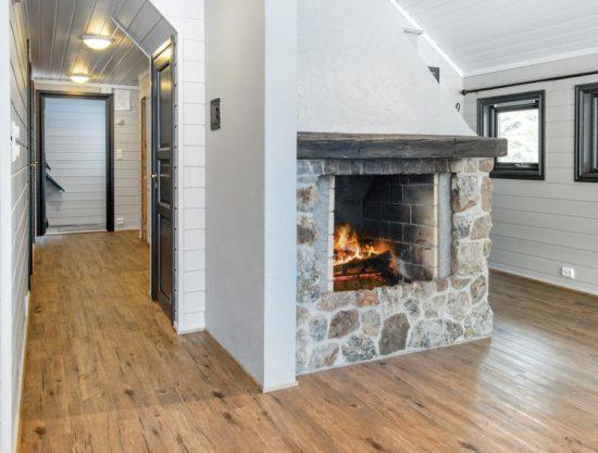 Bilde av stue med peis - Lei leilighet i Trysil - Bakkebygrenda 17A
