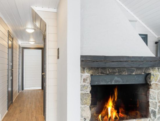 fireplace and hallway, apartment to rent in Trysil, Bakkebygrenda 22B