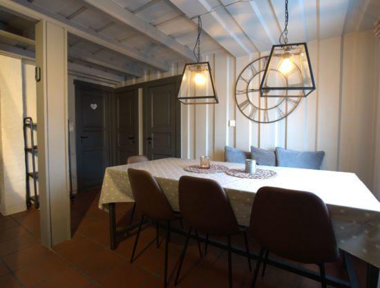 Bilde av spisebord - Drengestue 1105B - hytte i Trysil
