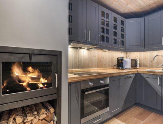 kjøkken og peis, leilighet til leie i Trysil, Trysiltunet 24B