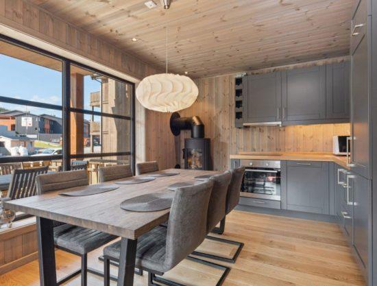kjøkken og spisebord, leilighet til leie i Trysil, Trysiltunet 28B