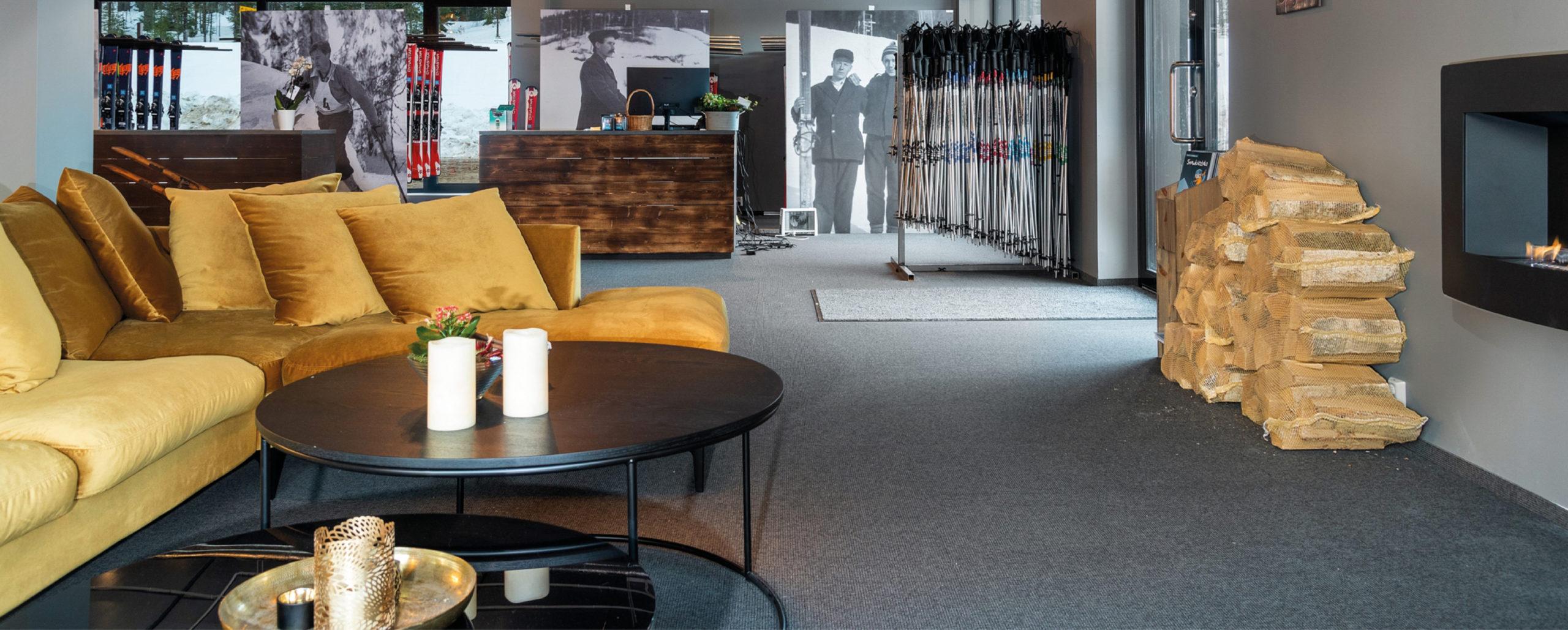 Resepsjonsområdet/reception area and ski rental, bookTrysilonline