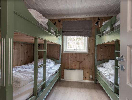 Bilde av soverom med fire senger - Fageråsen 922A - Lei hytte i Trysil