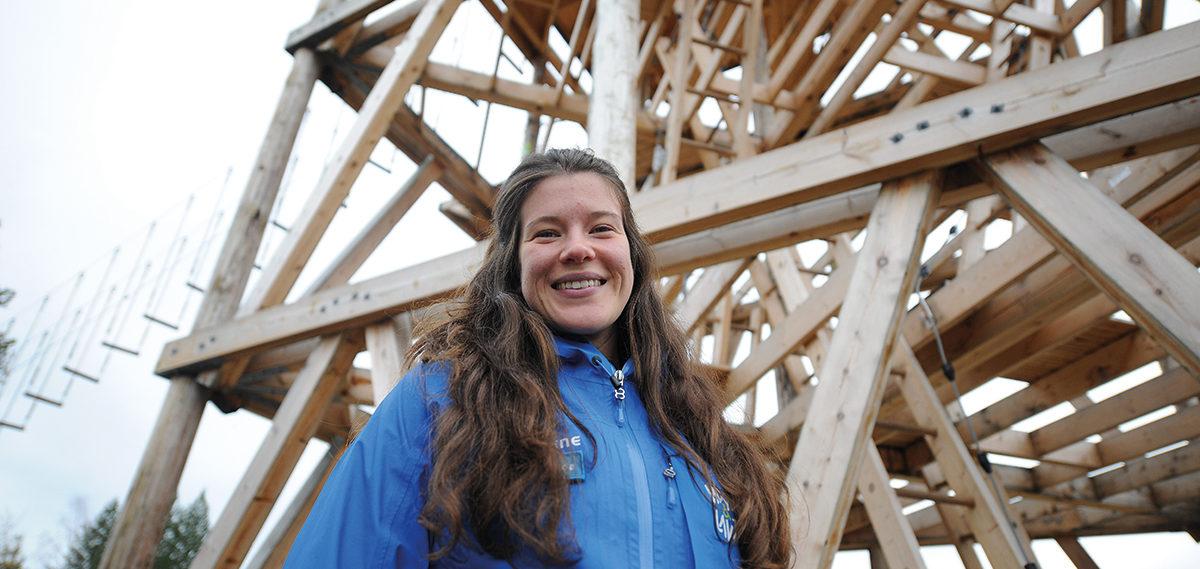 Amanda Lingøy er strålende fornøyd med sesongen i klatreparken Høyt&Lavt i Trysil
