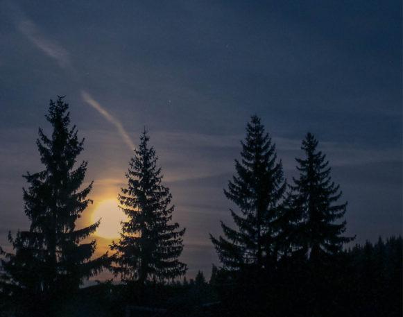 fullmånen på fullmånetur på truger i Trysil