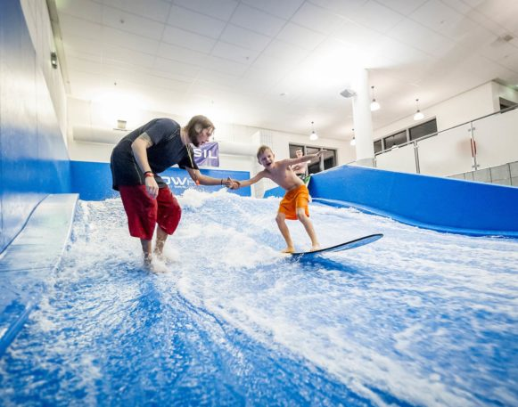 Kid surfing in Trysil