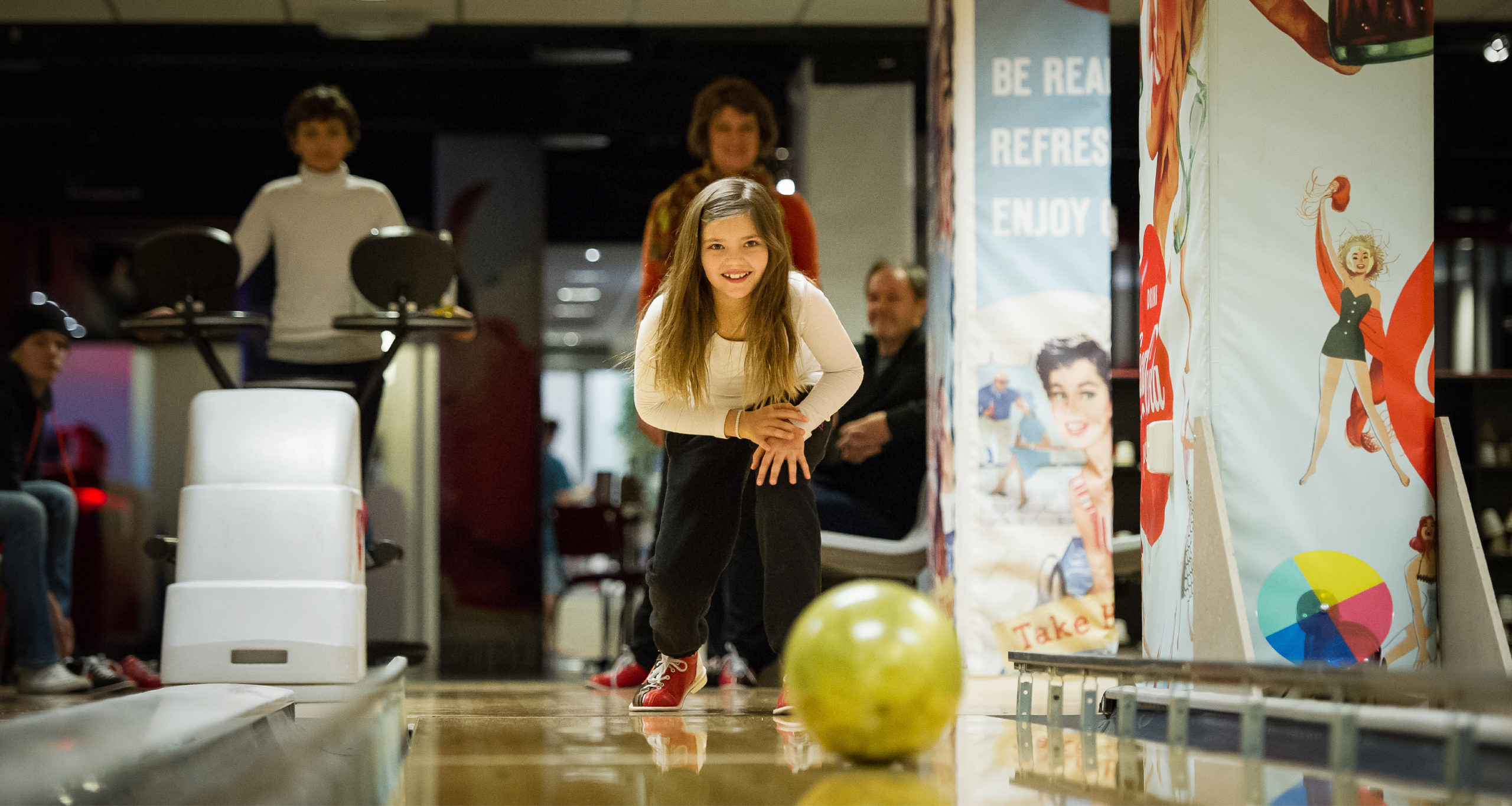girl playing bowling in Trysil